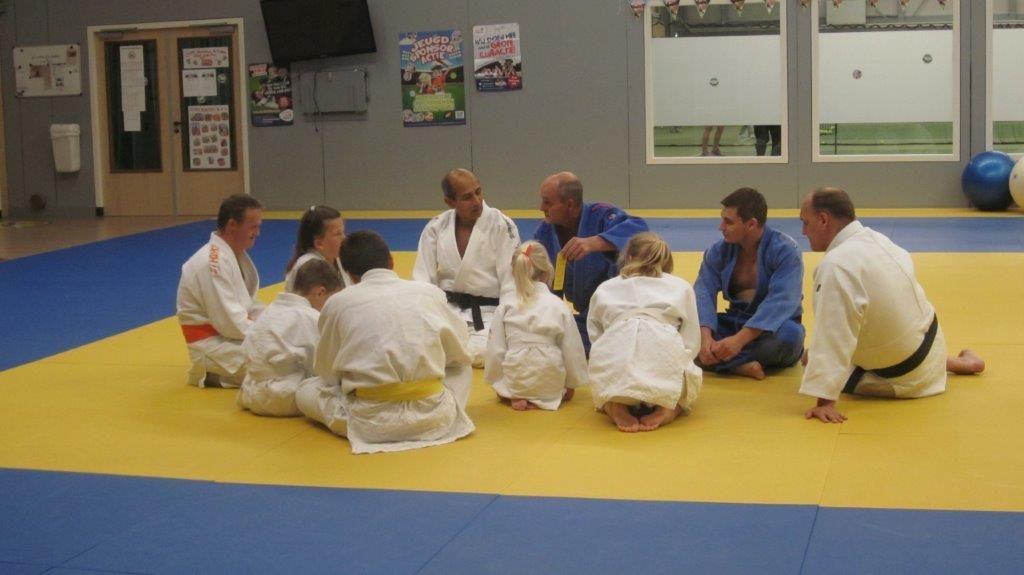 judogroep op de mat